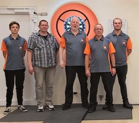 vlnr. Jano Würdemann, Dennis Kaulen, Jürgen Dartsch, Arno Wreden und Nico Scholte